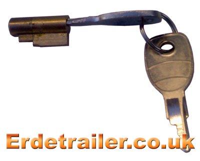 Trailer coupling head lock