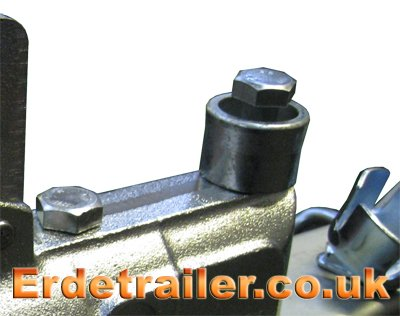 Triple lock head secure bolt