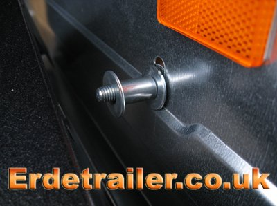 Extra mud guard bolt