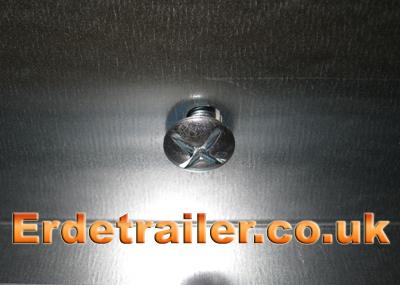 Light bar centre screw